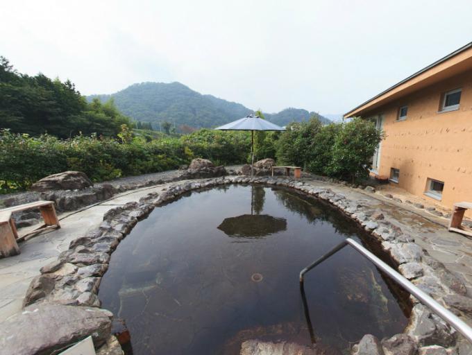 むいかいち温泉ゆらら 露天風呂のパノラマビュー