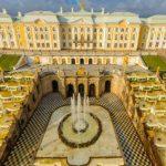 都市サンクトペテルブルクのペテルゴフ「夏の宮殿」パノラマビュー