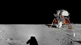 アポロ11号が撮影した月のパノラマビュー